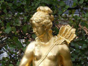 En primavera se despierta en nosotras la diosa griega Artemisa. Los arquetipos